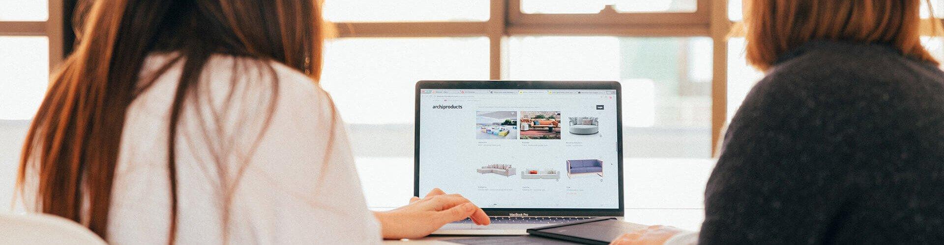 Clienții nu cumpără de pe un site ce comunică slab